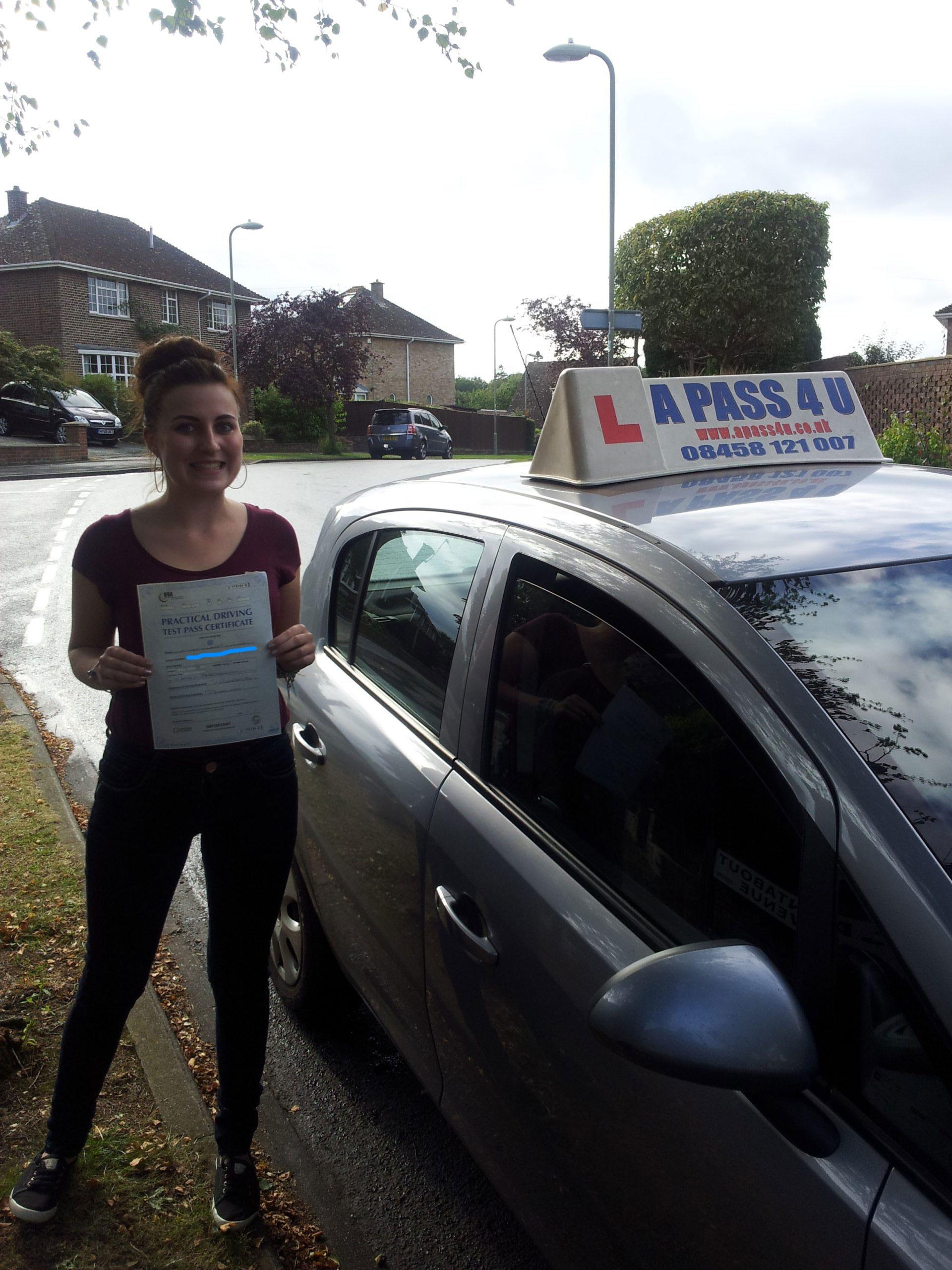 Tara McKinney passes in Portsmouth